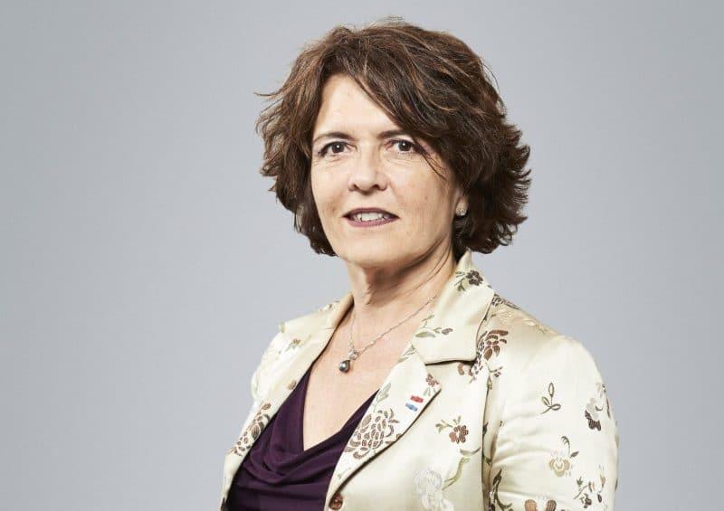 Elizabeth Viola Conseillère auprès du Président du Directoir, en charge des relations générales avec le réseau de la Banque des Territoires