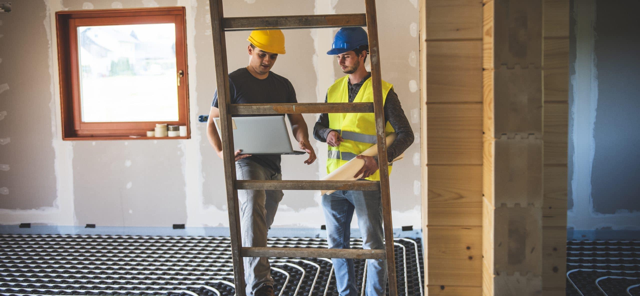 Professionnels du bâtiment sur un chantier