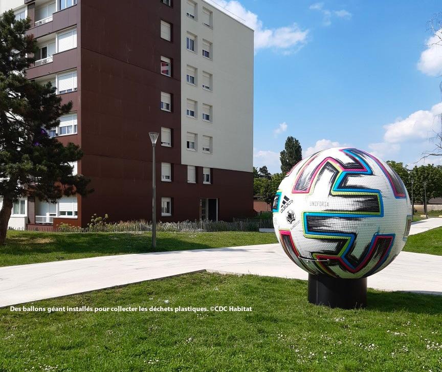 Des collecteurs en forme de ballon géant